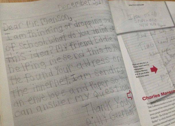 Tulisan tangan Billy yang ditujukan kepada Charles Manson, seorang pembunuh berantai yang dipenjara di California.
